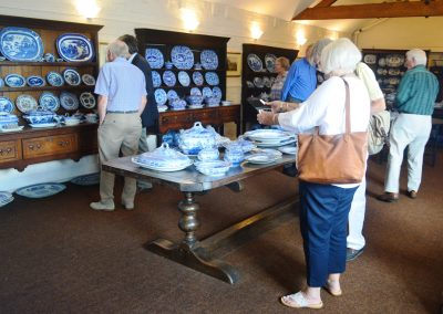 Viewing Spode's blue room